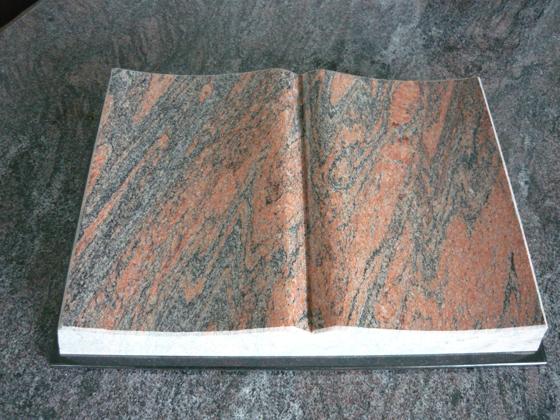 Boek Multi Color Red graniet behakte zijkanten en Zwart granieten kaft A042