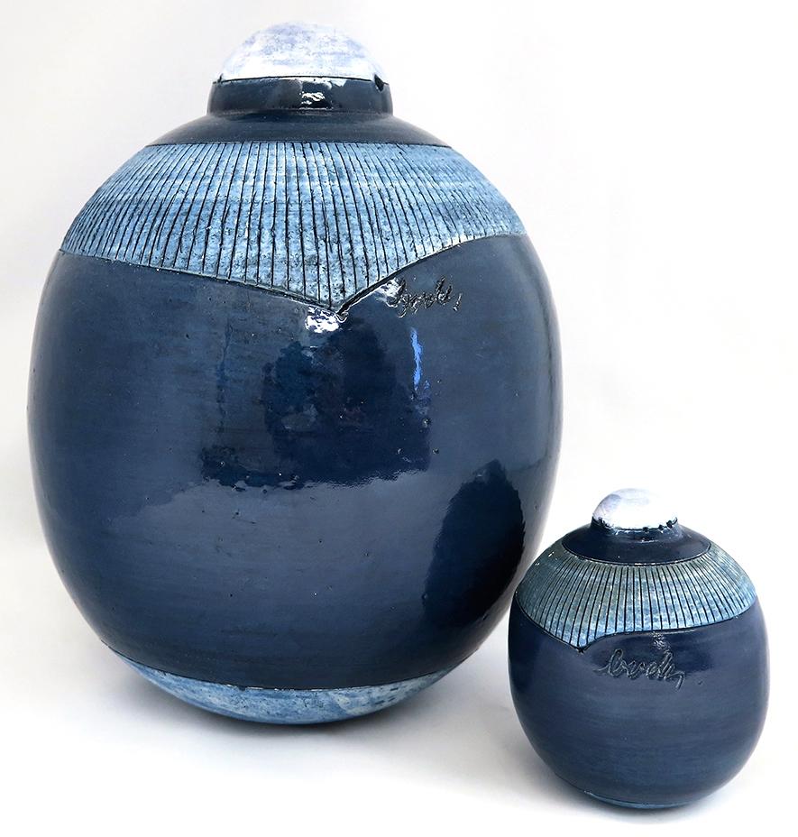 Bolvormige urn blauw keramisch UB036