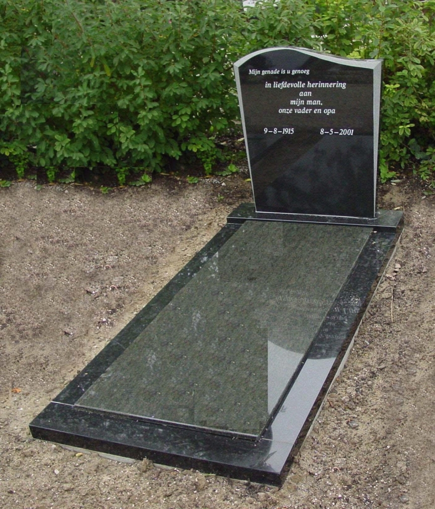 Letterplaat en omranding Zwart graniet facet gezoet afdekplaaat Verde Bahia graniet E013