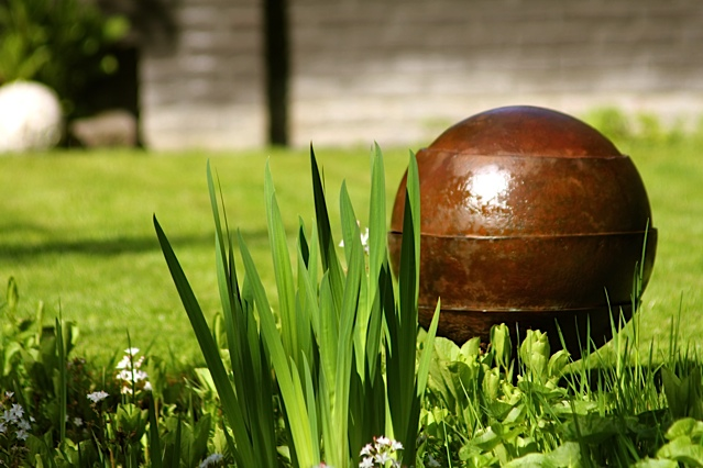 Prachtige bronzen waterurn te plaatsen in uw eigen tuin