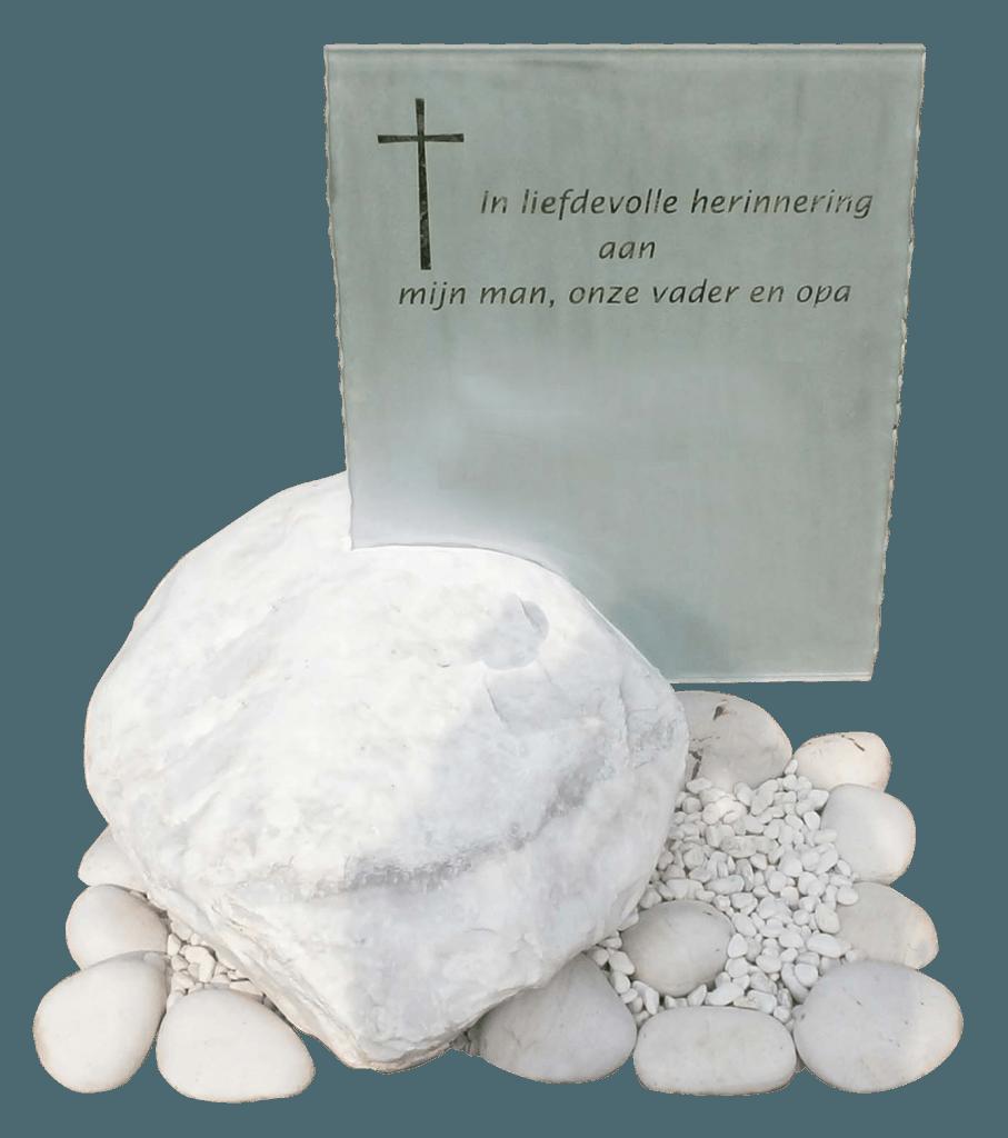 Transparant glas mat gestraald in marmeren kei AB127