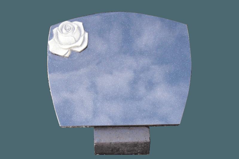 Zwart graniet met gehakte roos op betonlessenaar AB101