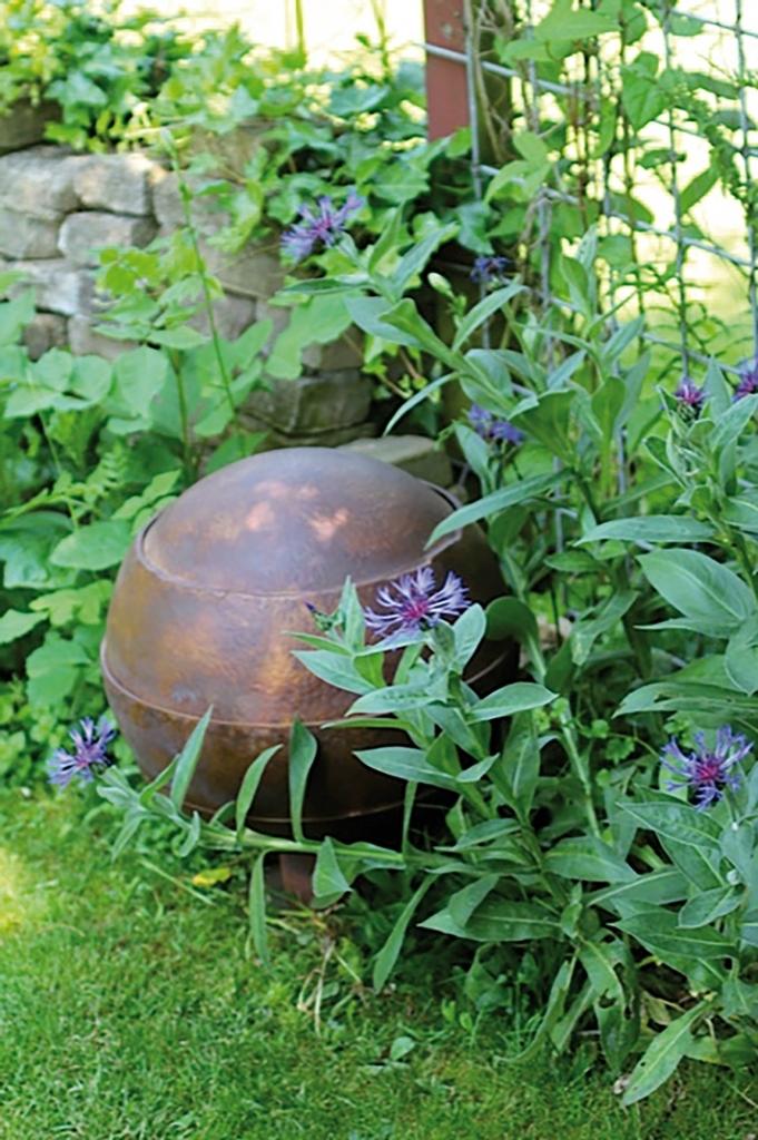 Urnen voor in de tuin waterurn UB028